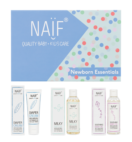 Naïf Gift Box Newborn Essentials Flatlay 717X768